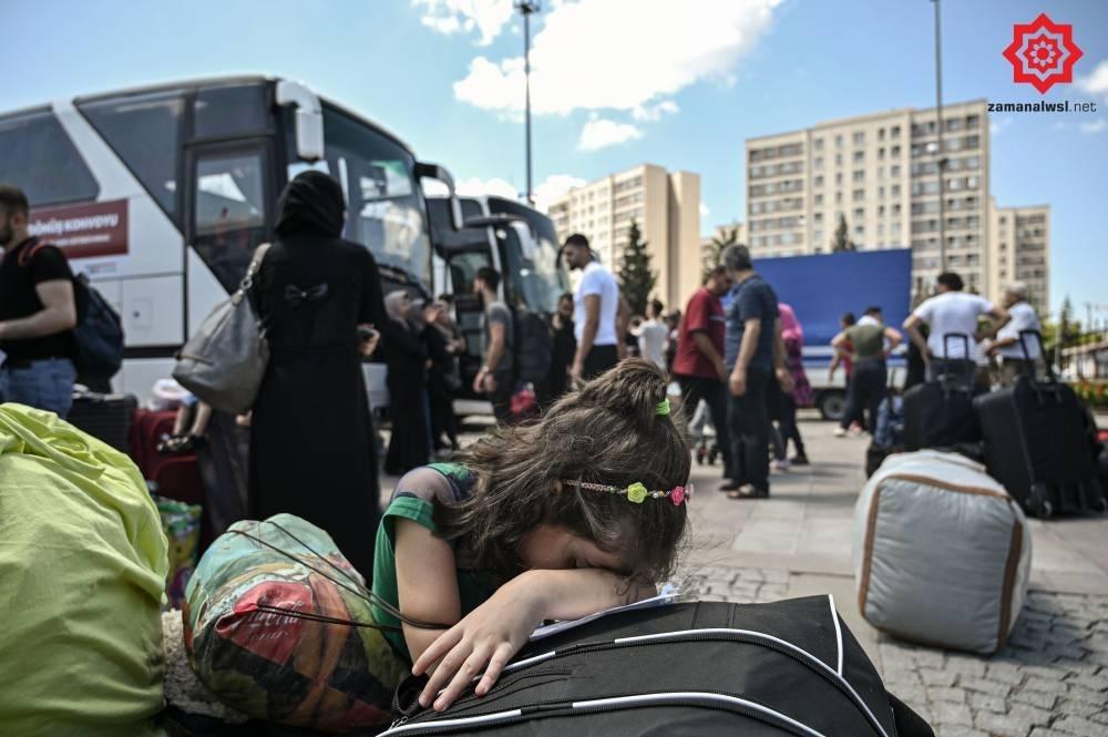 Türkiye'den Suriye'ye Geri Gönderilen Muhacirler galerisi resim 2
