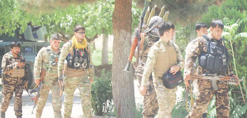 Taliban ülkenin İran sınırındaki İslam Kale Sınır Kapısı'nı ele geçirdi