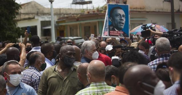 Küba'da halk ayakta: Gıda kuyruklarına, ekonomik şartlara protesto