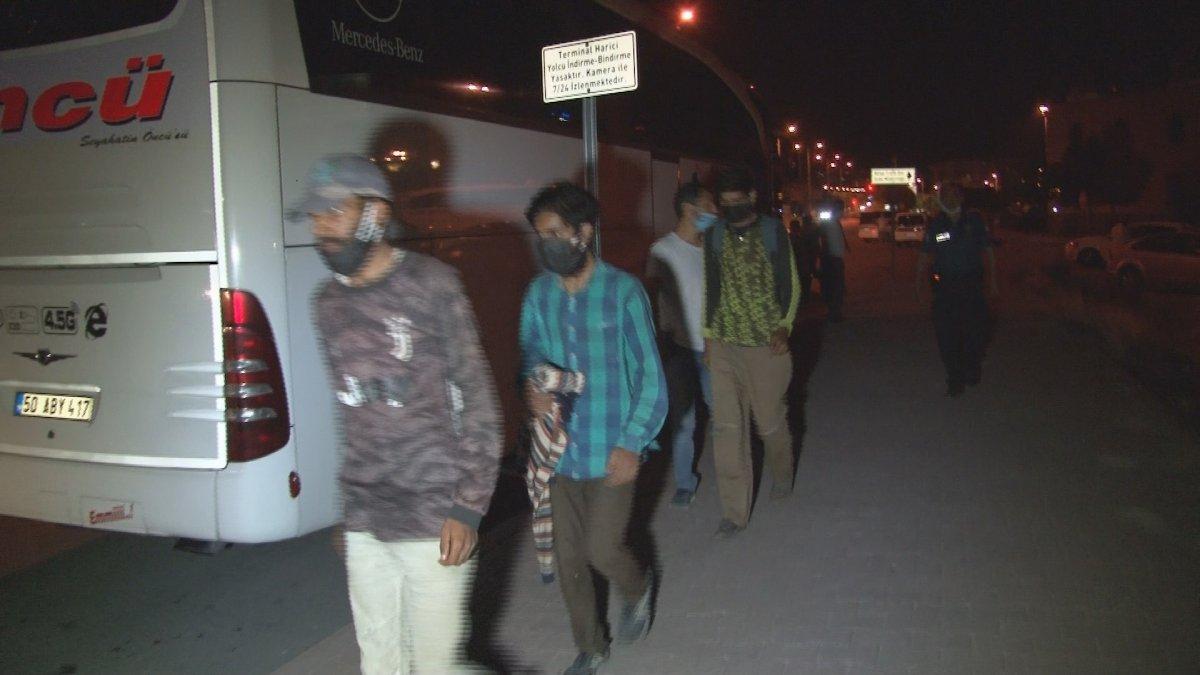 Kayseri'de kendilerini Afganistanlı gösteren 12 Pakistanlı yakalandı