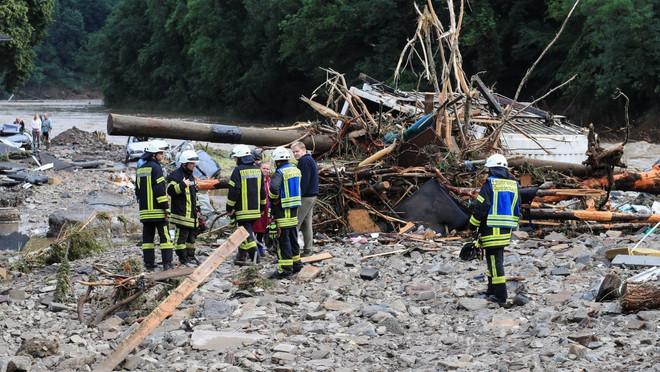 Almanya'yı şiddetli yağış ve sel vurdu: Ölü sayısı 40'ı aştı