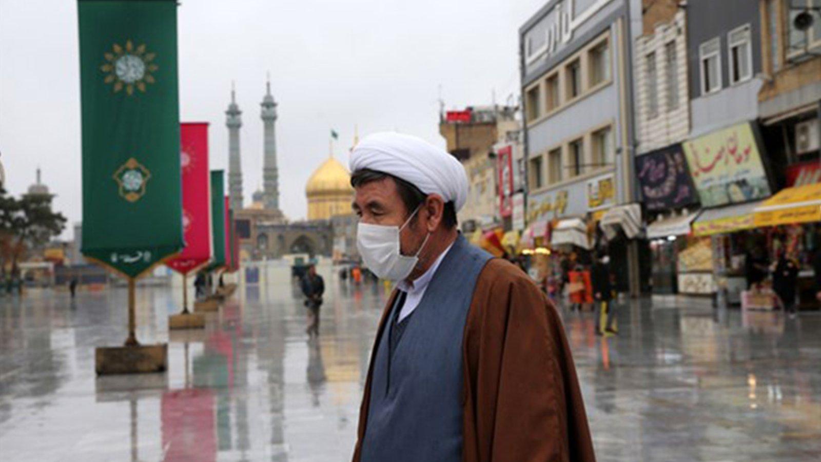 İran Cuma Kılmıyor