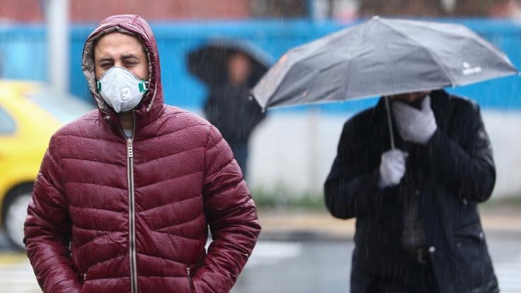 İran'da Koronavirüs Nedeniyle Ölenlerin Sayısı 54'e Yükseldi