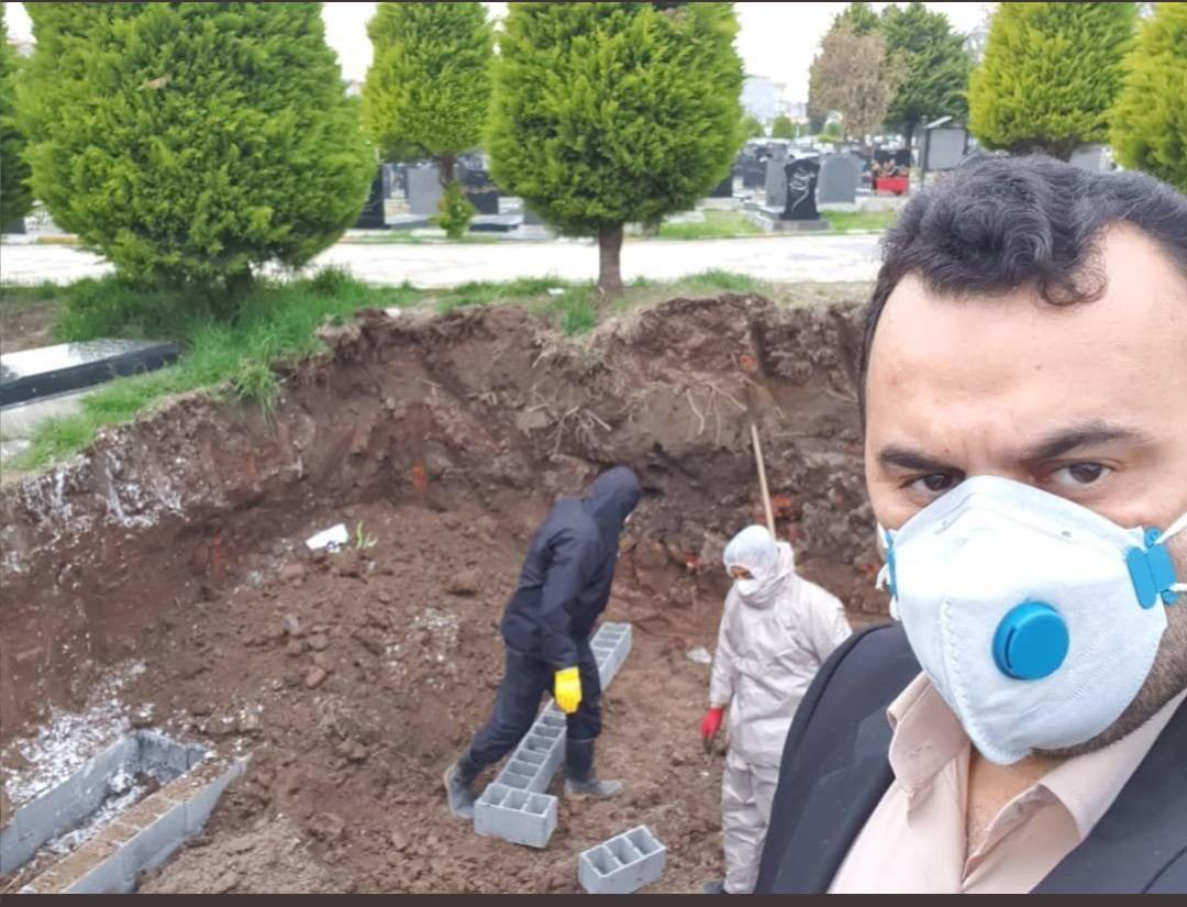 İran'da Cesetler Yakılıyor