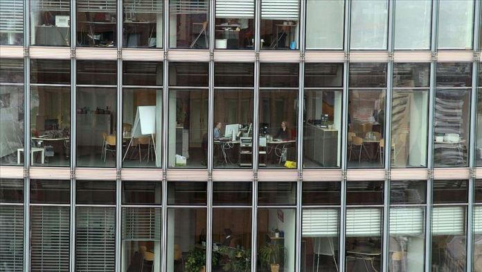 Almanlar 2019'da 62,7 milyar saat çalışarak rekor kırdı