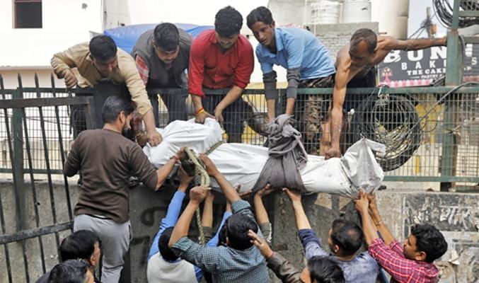 Hindistan'da katliam sürüyor!