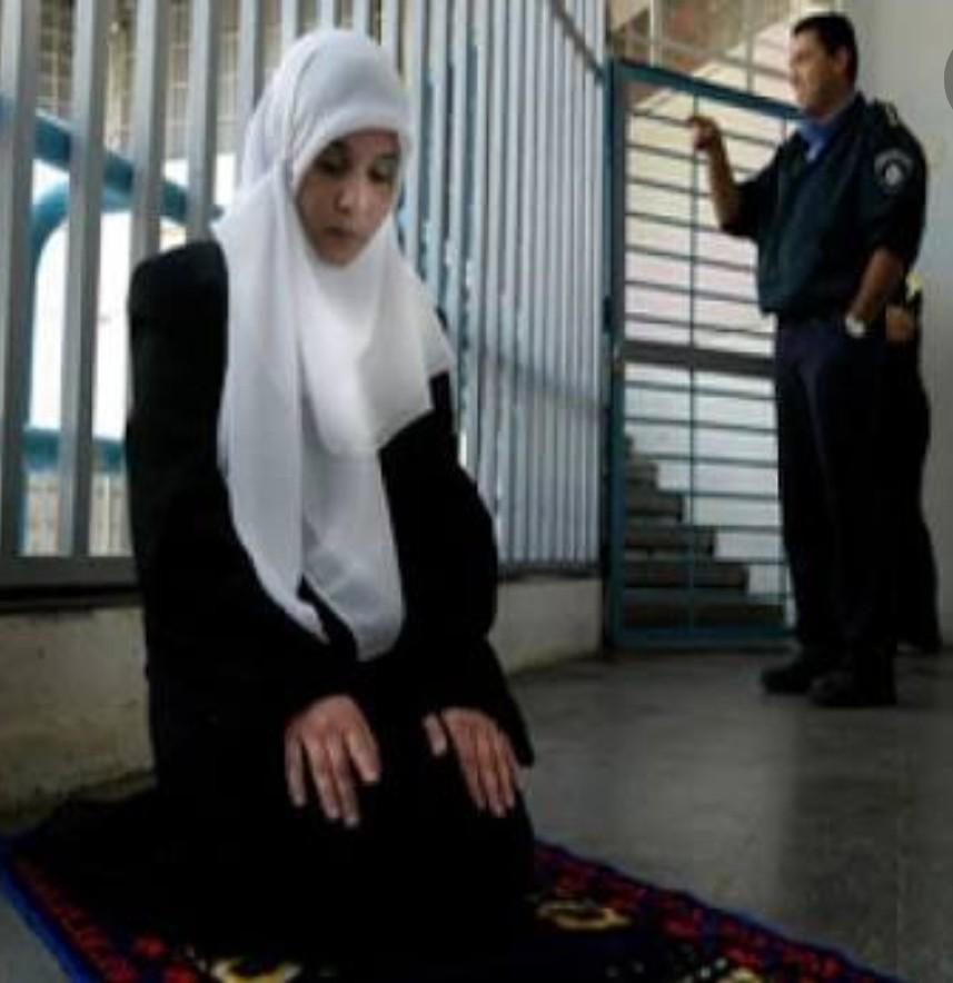 Dünya esir Filistinli kadınları neden görmüyor ?