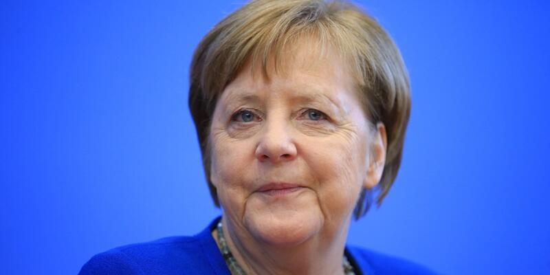 """Merkel: """"Nüfusun yüzde 60 ila 70'i bu virüsten etkilenebilir"""""""