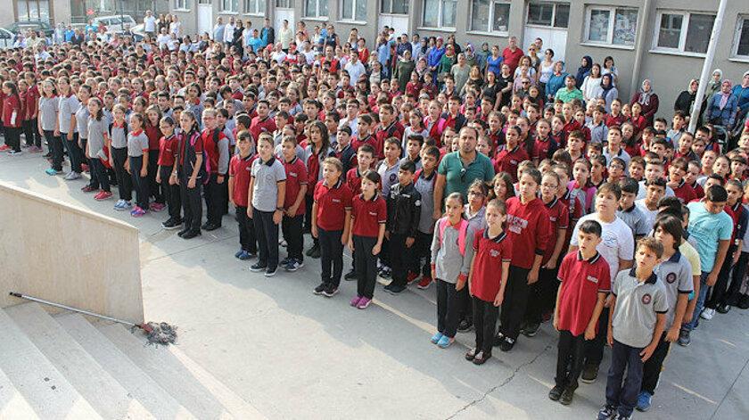 Türkiye 'de okullar tatil edildi.