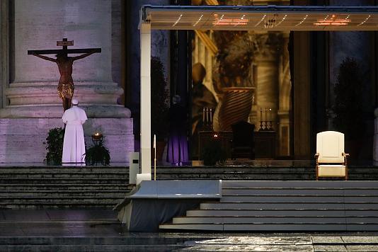 Papa'dan tek kişilik ayin