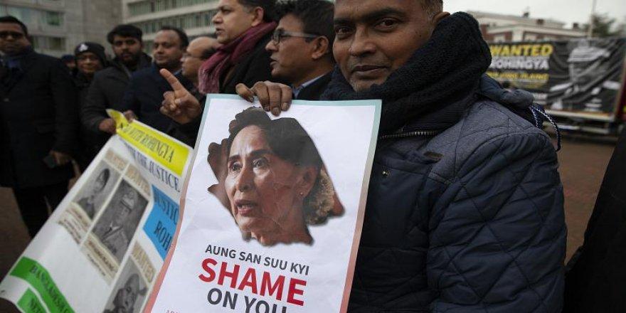 Myanmar: 'Arakanlı Müslümanların Hedef Olduğu Şiddet Soykırım Değil Savaş Suçu'