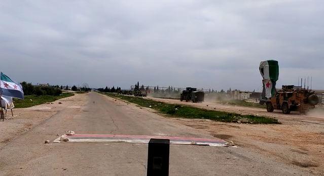 M-4 devriye güzergahında Rus bayrakları yola serildi