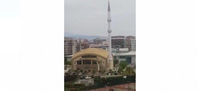 İmam Minareden İzmir Marşını Çaldı (Video Haber)