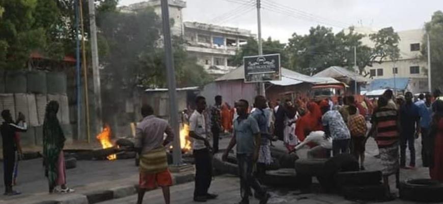 Mogadişu'da protestolar şiddetleniyor