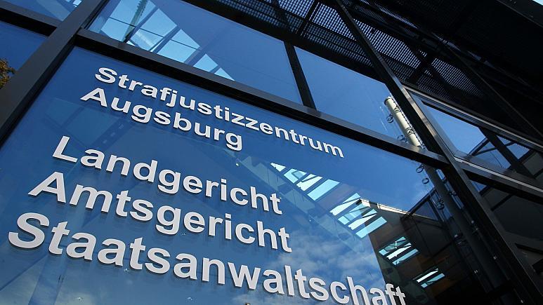 Almanya'da eşcinsellik hastalıktır diyen doktor işten kovuldu