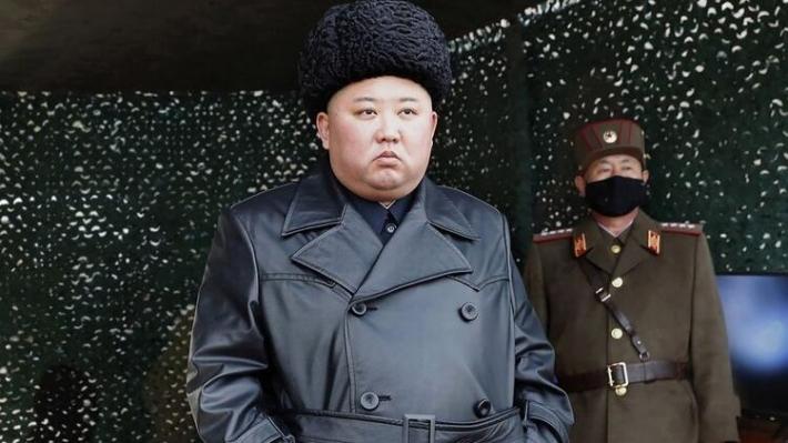 Kim Yong hayatta ancak yürüyemiyor