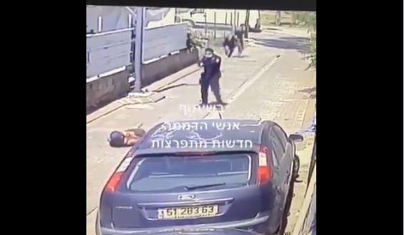İsrail polisi Filistinli sanıp Yahudiyi öldürdü (Video - Haber)