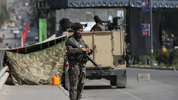 Taliban'dan askeri üsse operasyon: 20 ölü