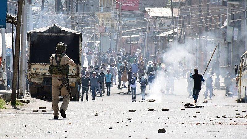 Keşmir'de yine kan aktı: 10 ölü