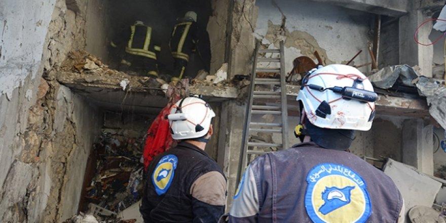 Esed'in Bombardımanda Ölen Çocuklarının Bedenlerine Güçlükle Ulaşıyorlar