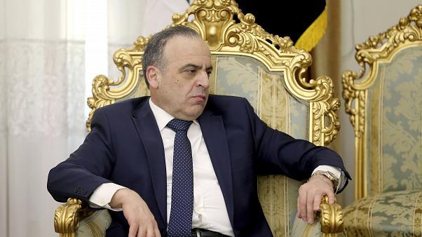 Esed başbakanı görevden aldı