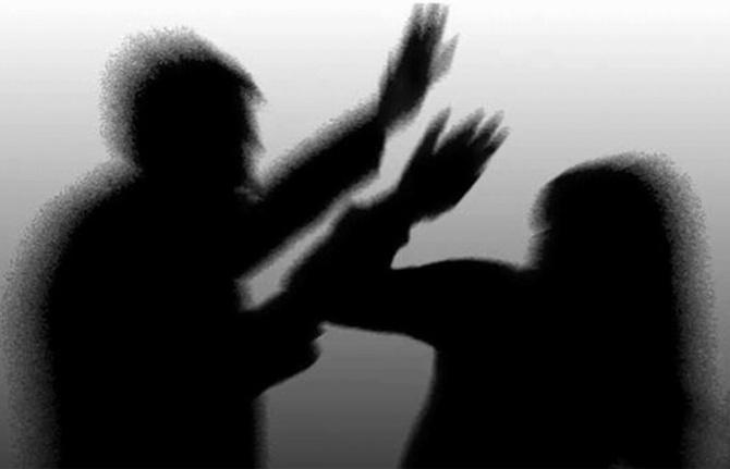 Neden 'sevgili ya da barmen şiddeti' değil de 'erkek şiddeti'? (Rıdvan Kaya yazdı)