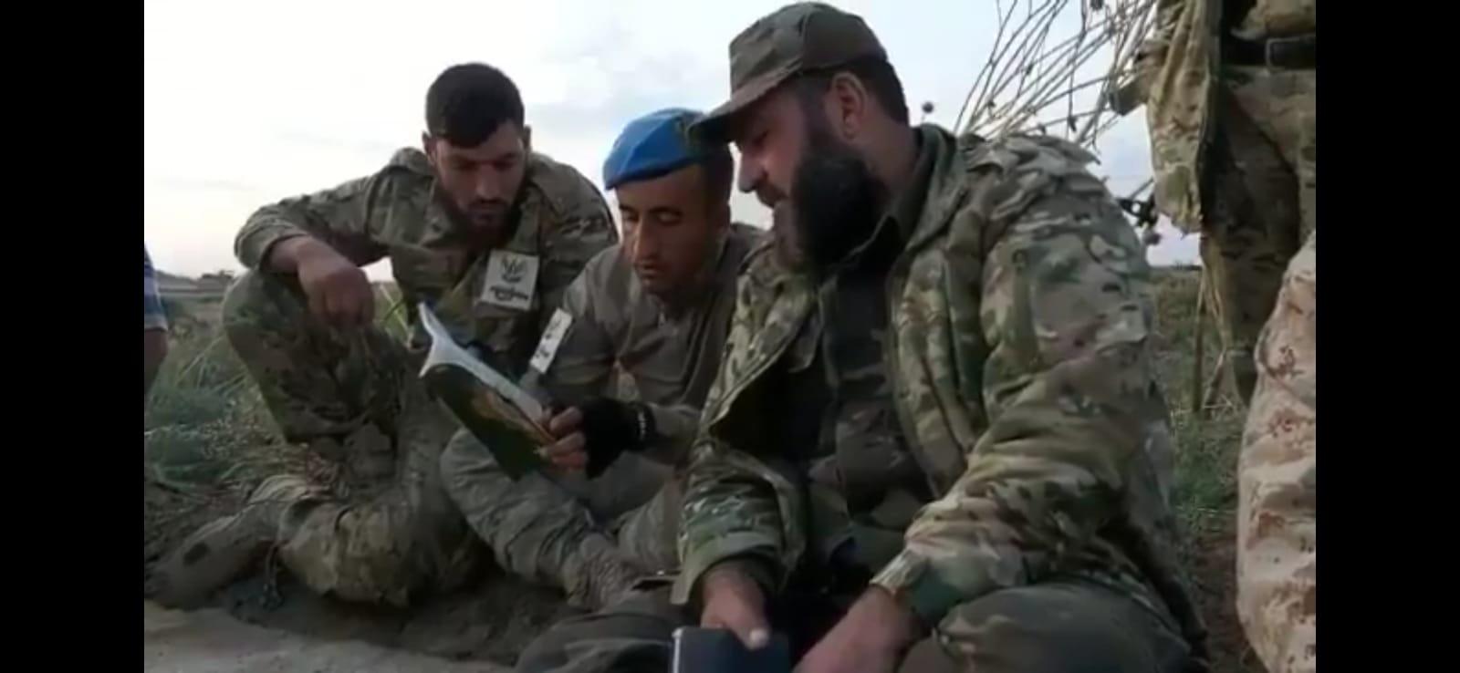 Türk askeri cephe hattında Kuran öğreniyor (Video Haber)