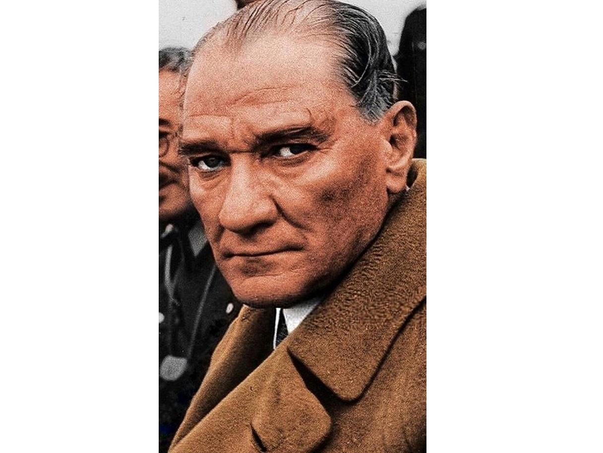 En Büyük Türk Atatürk Polemiği !