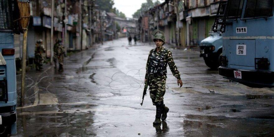 Cammu Keşmir'de Çıkan Çatışmada 3 Kişi Öldü