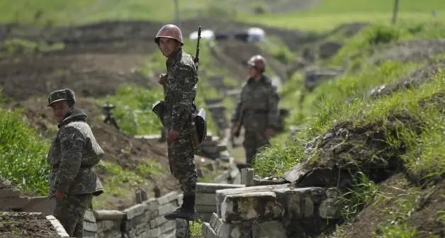 Azerbaycan Ordusu'ndan kaçan Ermeni askerler İran'a sığındı