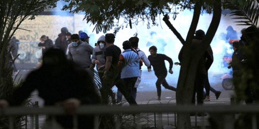 Sadr'ın Adamları Irak'ta 6 Göstericiyi Öldürdü