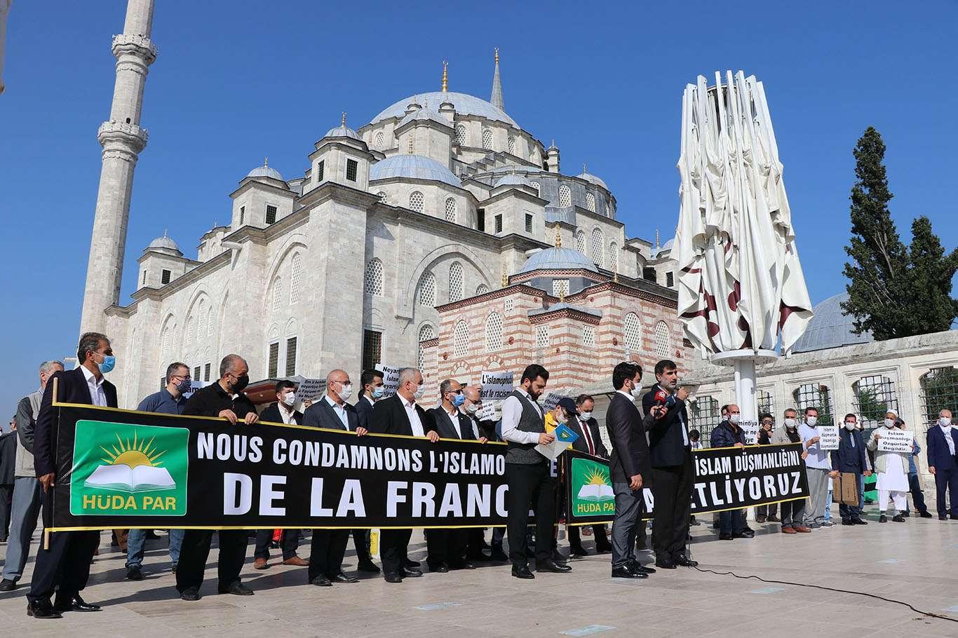 HÜDA-PAR Fransa'nın İslamofobik politikalarını protesto etti