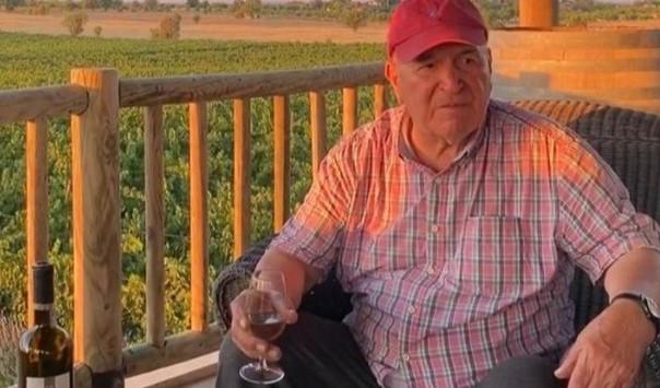 Şarabın babası olarak anılan Pamukkale şarabın kurucusu Alaaddin Tokat koronavirüsten öldü