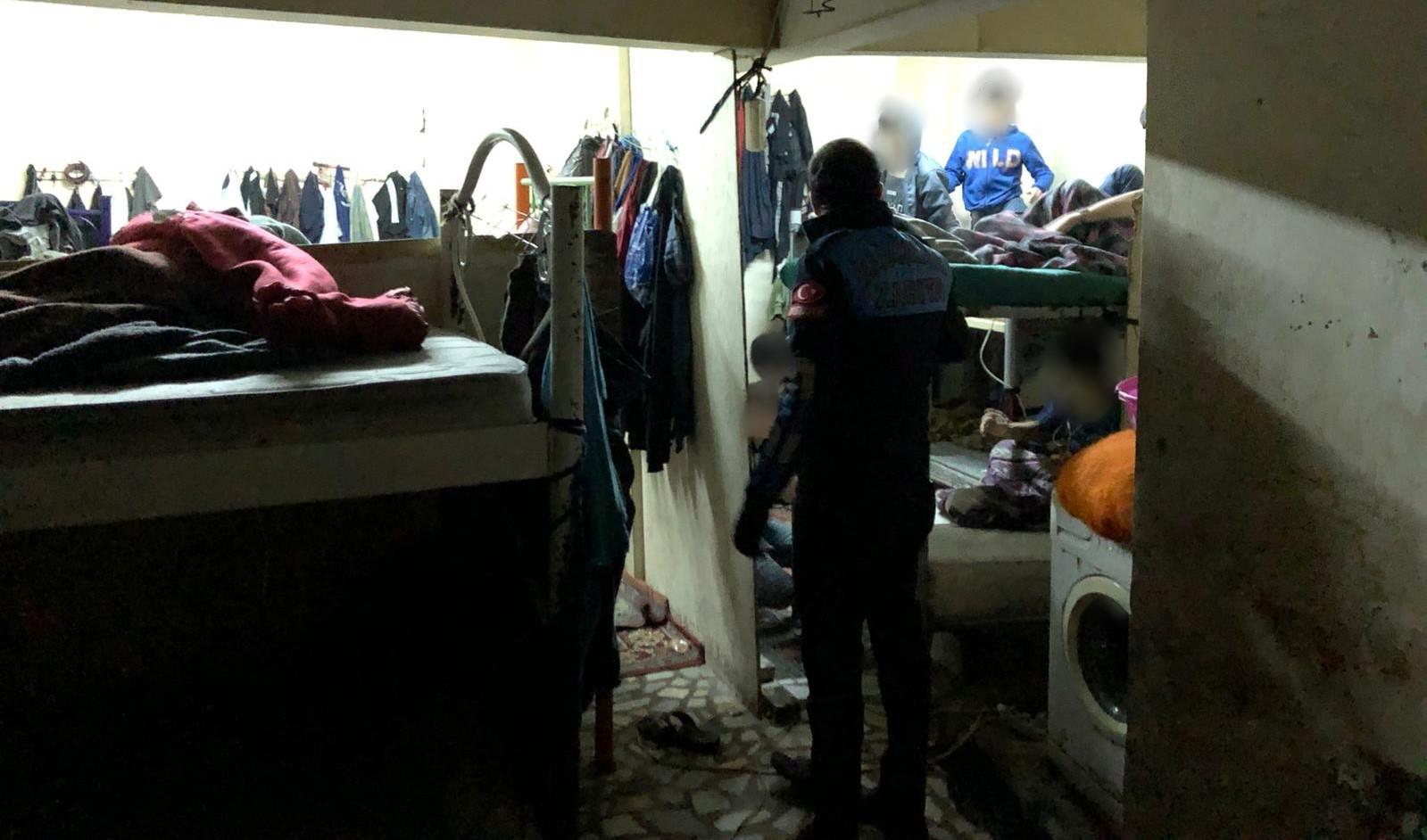 Suriye'den getirdikleri kimsesiz çocukları İstanbul'da dilendiren çeteye operasyon