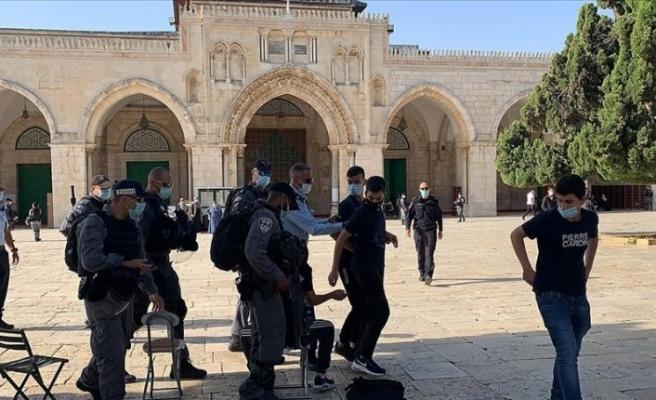 İsrail polisi korumasındaki 153 fanatik Yahudi Mescid-i Aksa'ya baskın düzenledi