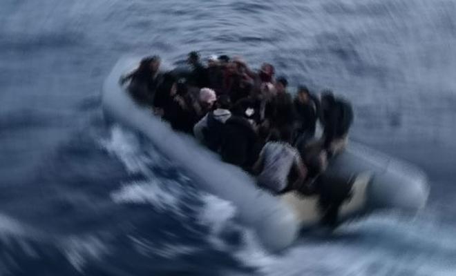 İnsan kaçakçılar göçmenleri denize attı: 20 kişi hayatını kaybetti
