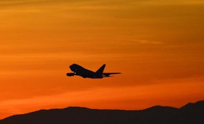 İran'da yolcu uçağını kaçırma girişimi