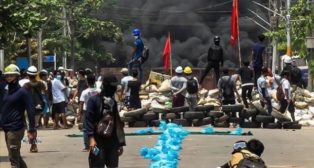 Myanmar ordusu ateşkes ilan etti