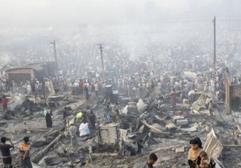 Bangladeş'te Arakanlı Müslümanların kaldığı kampta yine yangın: 3 Ölü