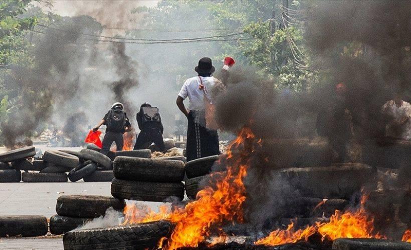 Myanmar ordusundan katliam: 80 ölü