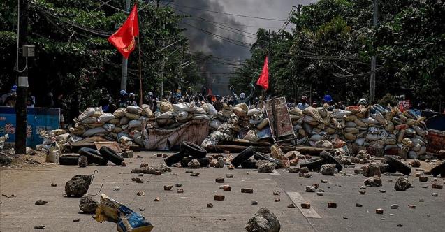 Darbeyi protesto ettiği için öldürülenlerin sayısı 737'ye yükseldi