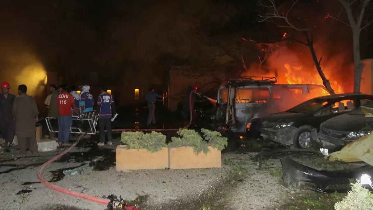Pakistan'da bir otelin otoparkında patlama: 4 ölü, 12 yaralı