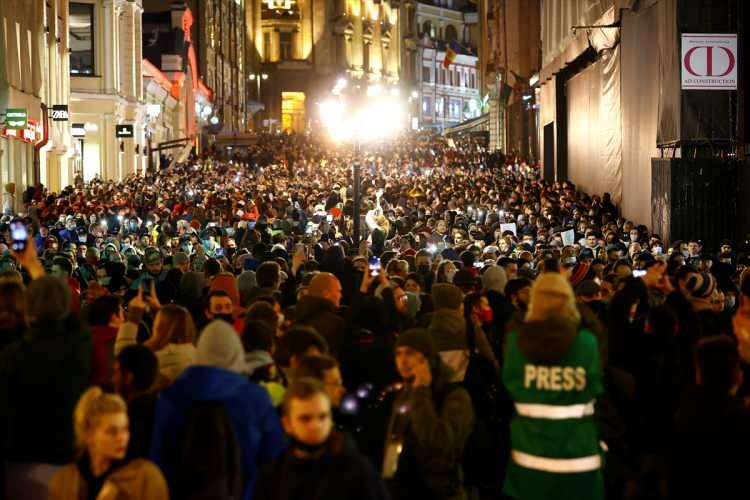 Rusya karıştı: Gözaltı sayısı bini geçti