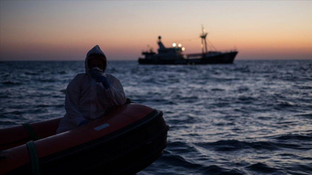 Akdeniz'de göçmen faciası: 100 kişi hayatını kaybetti
