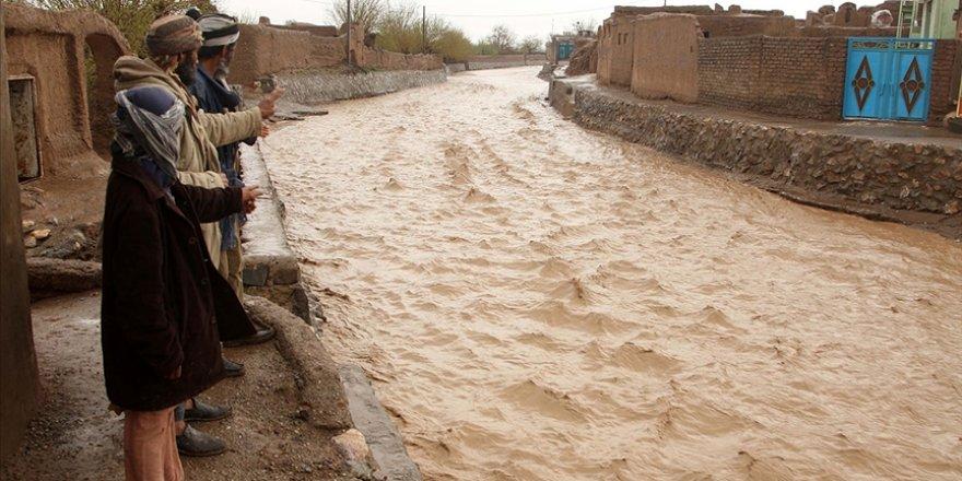 Afganistan'da sel felaketi: 14 ölü