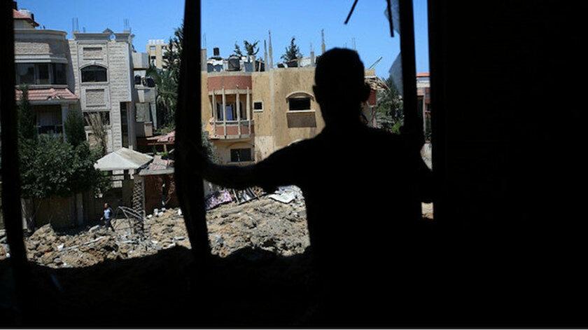 İşgalci İsrail aralarında hamile bir kadının olduğu 6 kişilik aileyi katletti