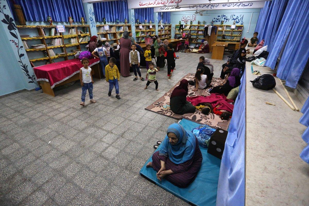 Filistinliler, İsrail bombalarından korunmak için okullara sığındı (Foto Galeri)