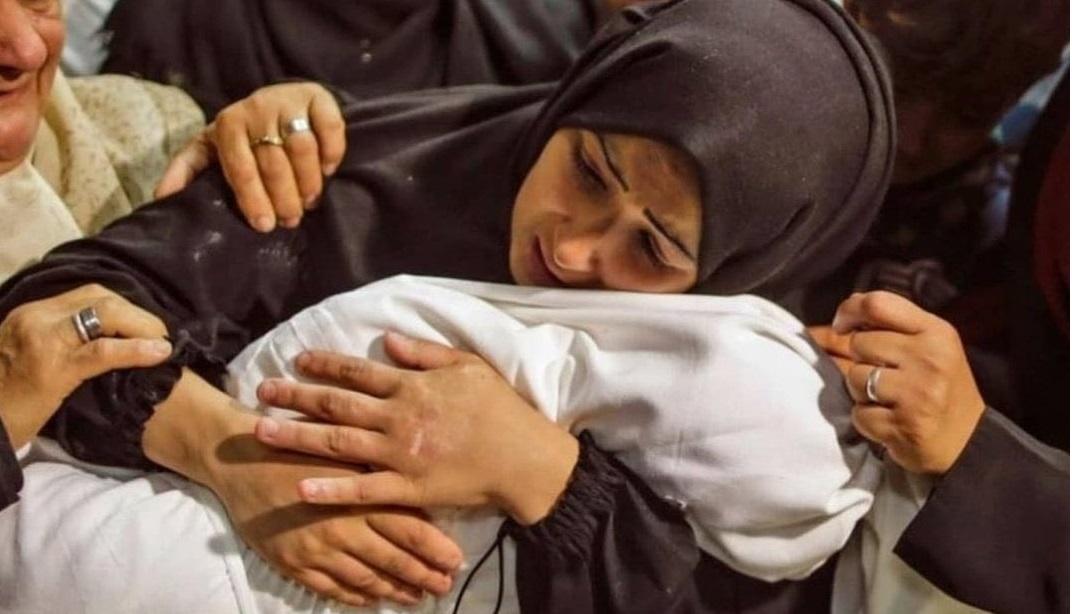 Dünya, İsrail'in çocuk katliamına seyirci (Foto Galeri)