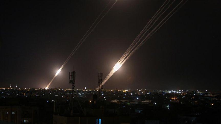 Gazze'den roket misillemesi başladı