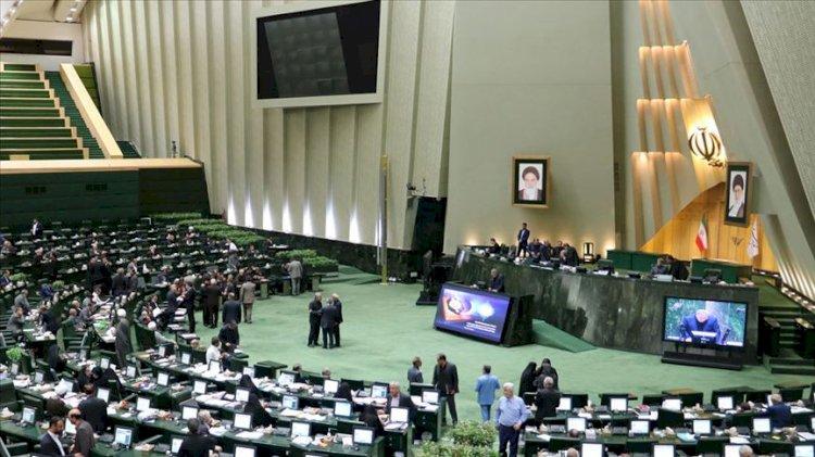 İran Seçimlerini  Muhafazakarlar kazandı